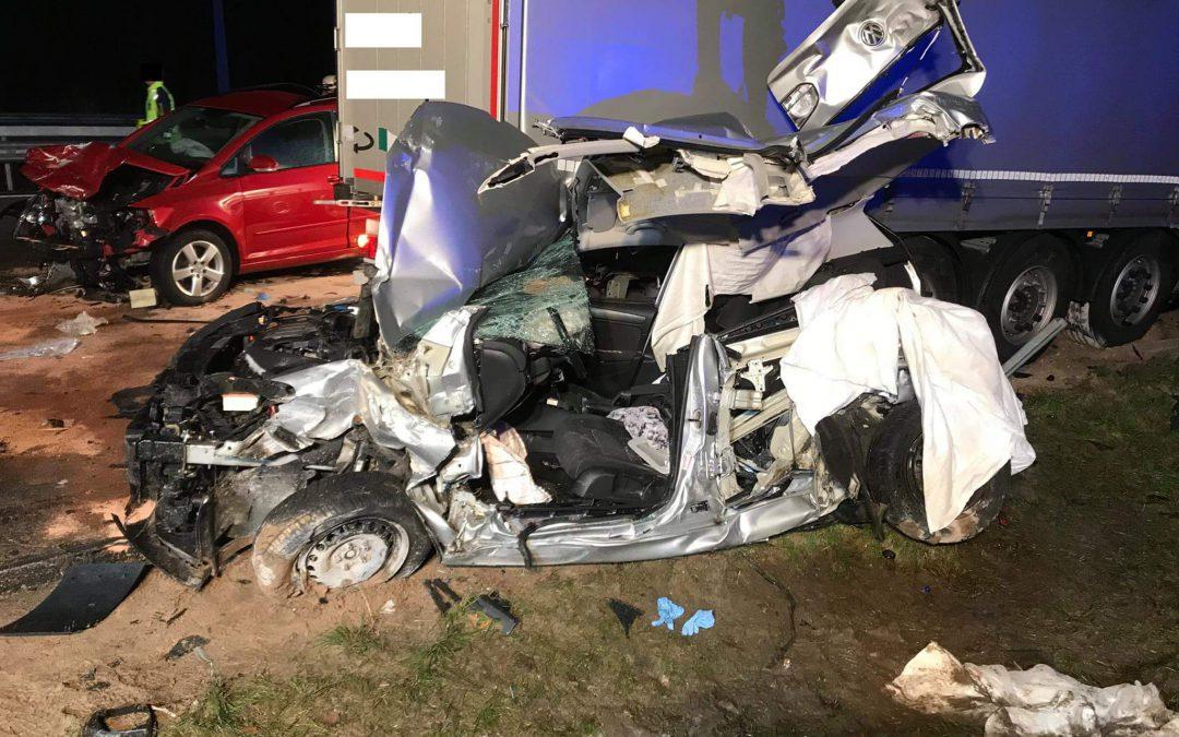 168 – 29.11.2017 – Verkehrsunfall Person klemmt – Autobahn A6
