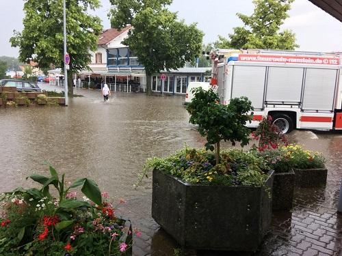 Familientag der Feuerwehr fällt ins Wasser   – 63 Einsätze innerhalb weniger Stunden –