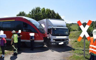 196 – 27.07.2018 – Unfall Zug mit LKW – Niedermohr