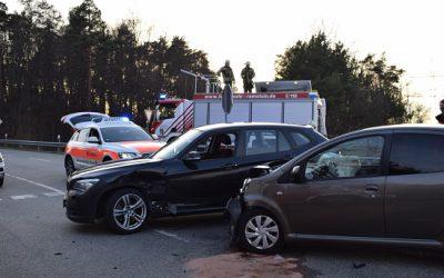 020 – 12.02.2019 – Verkehrsunfall Personn Klemmt – L 356